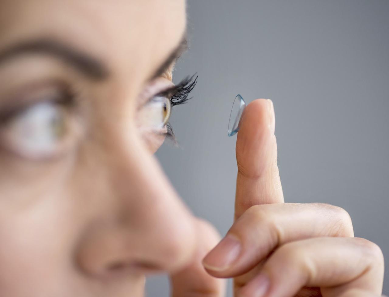 Lentille de contact et yeux sensibles