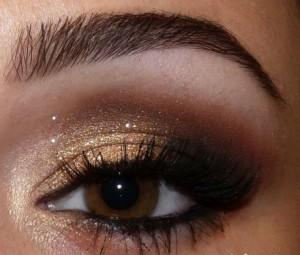 maquillage pour yeux marrons